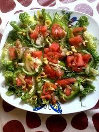 Vegan keto meal plan - green salad