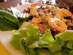 Pescatarian Keto meal plan - prawn salad
