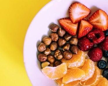Healthy skin diet plan - a bowl of fruit