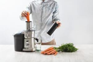 Best Juicers for Sirtfood Diet - Omega VRT350 Juicer
